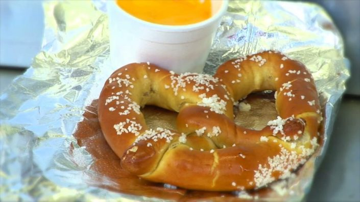Pretzle with Cheese